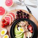Pomysłowe sałatki z tuńczykiem - 3 świetne przepisy!